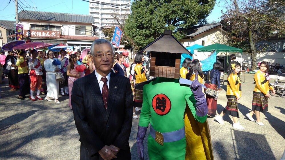 川越市のマスコット「時の鐘マン」が市内に出没!