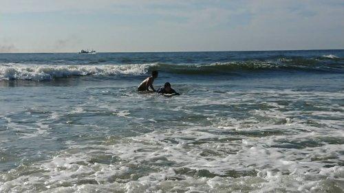 スタッフと行く、サーフィンの旅